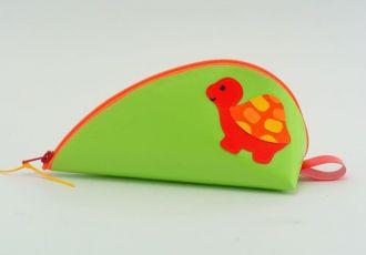 Bleistiftetui mit Schildkröte