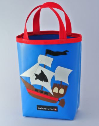 Minishopper mit Piratenschiff